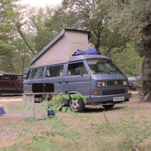 VW campervan rental London VW T25 campervan automaticwith pop top roof up